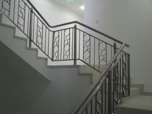 Scara inox interior